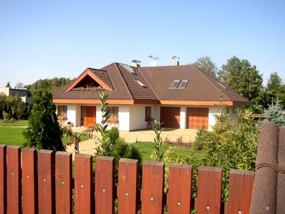 Rodinný dům 5+1 (vnitřní bazén, tenisový kurt